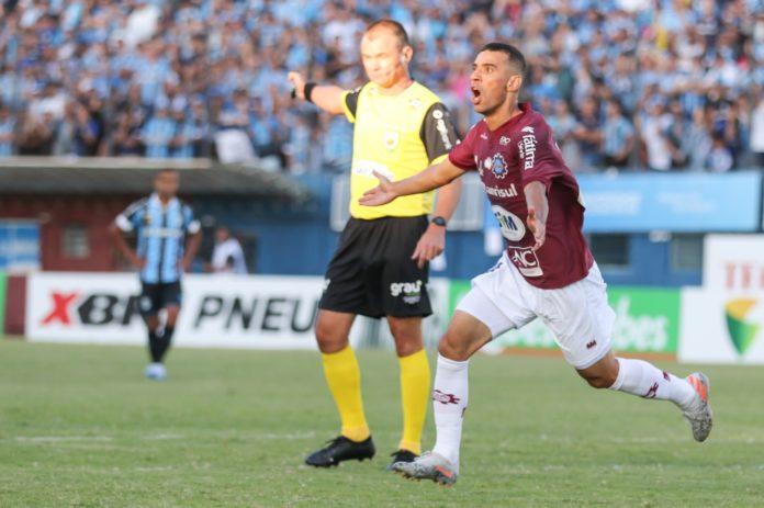 Caxias decidirá o título gaucho contra o Grêmio