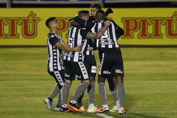 Botafogo vence o Parana