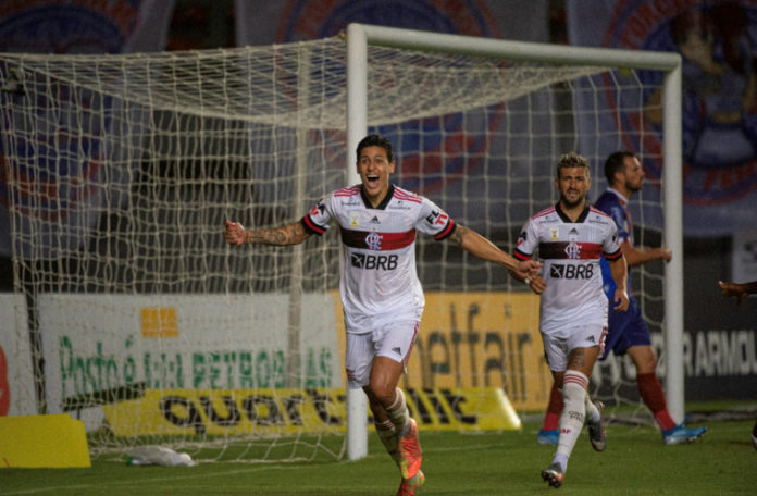 Flamengo vence o Bahia