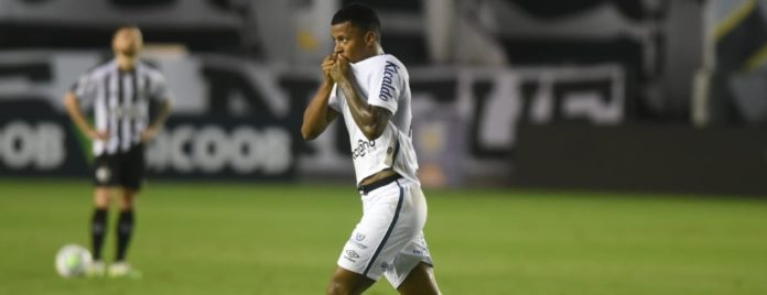 Santos vence Altetico MG
