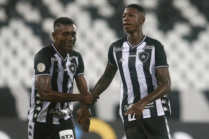 Botafogo vence o Vasco