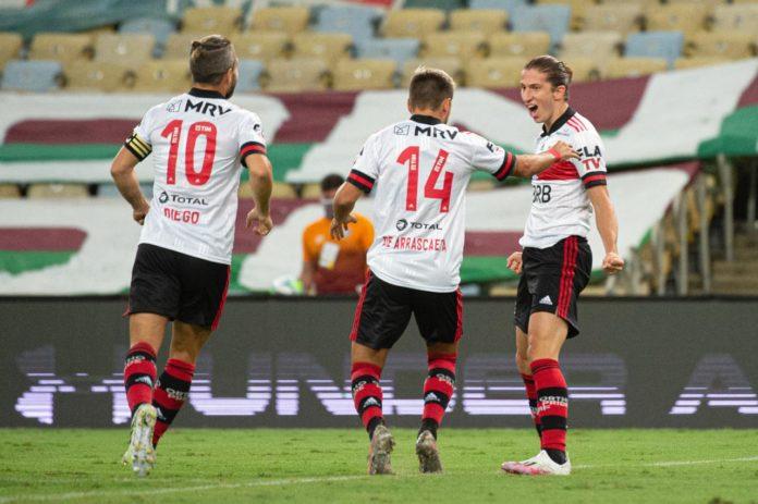 Flamengo vence o Fluminense