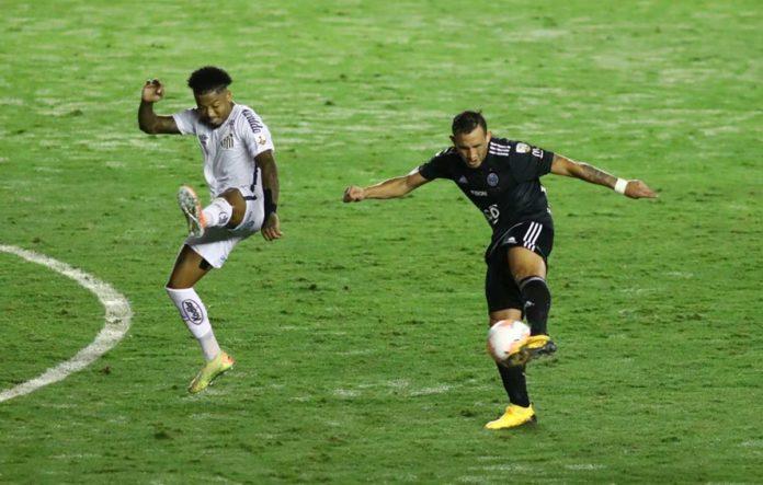 Santos empara com o Olimpia